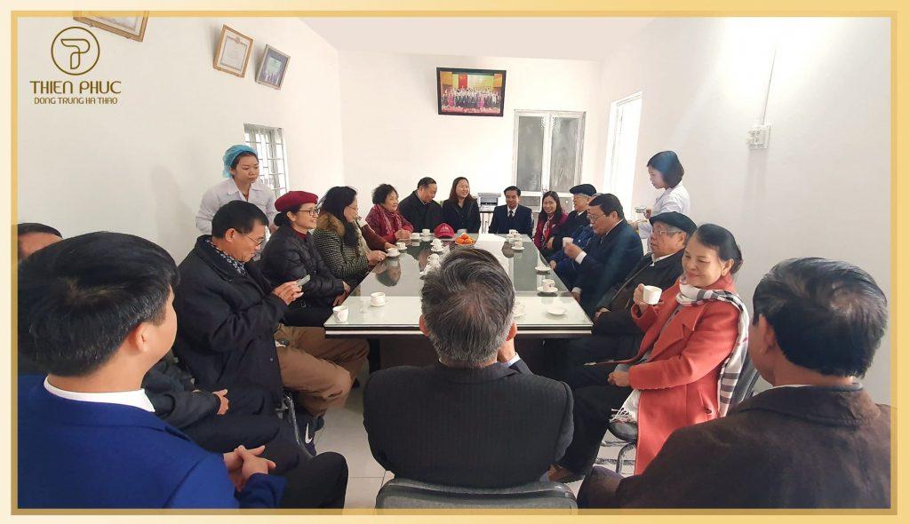 Nguyên Đại biểu Quốc hội các nhiệm kỳ tỉnh Hà Tây thăm xưởng sản xuất Đông Trùng Hạ Thảo của Công ty Cổ phần Dược thảo Thiên Phúc